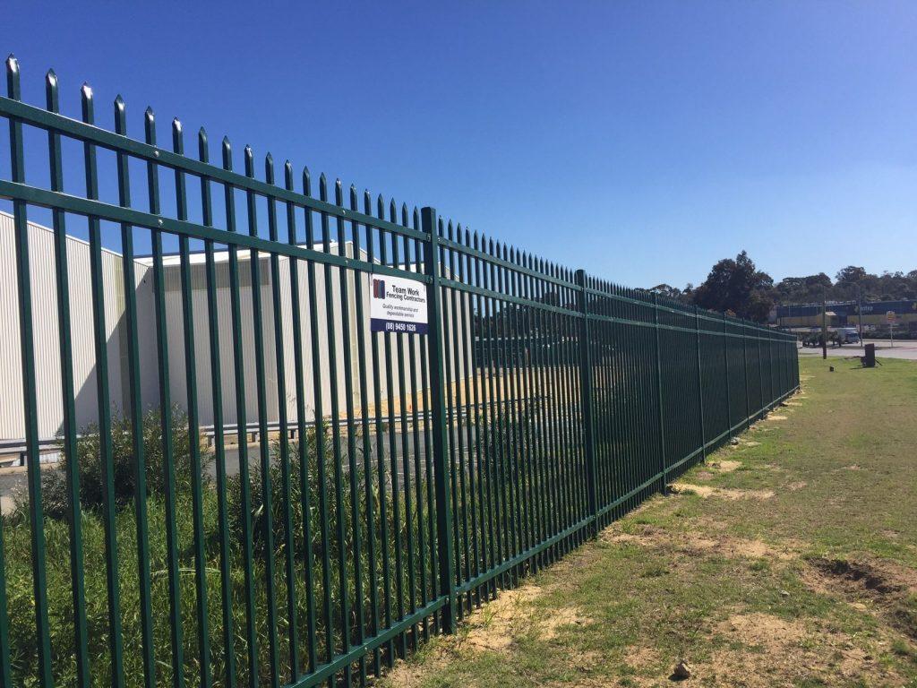 fencing contractors near me